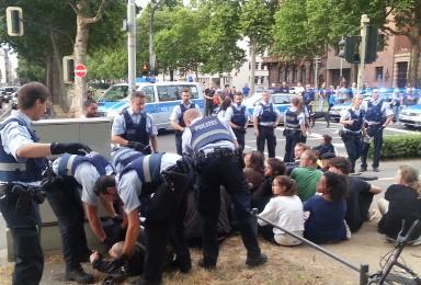 [15.04] Solidarität mit den Protesten der Refugees und den Menschen, die sie unterstützen!